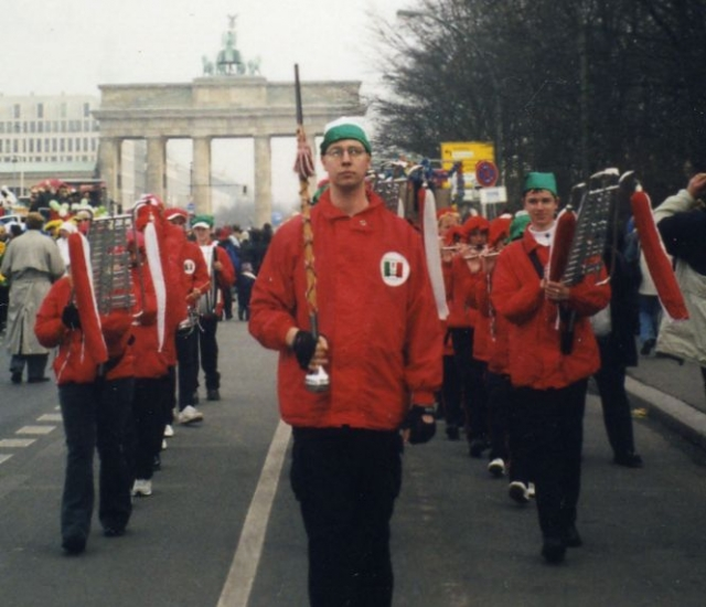Galerie - Kategorie  02.03.2003 - Karnevalsumzug in Berlin - Bild ... f25721a4d95